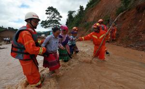直击丨云南麻栗坡山洪泥石流致8死,山体滑坡道路通讯中断