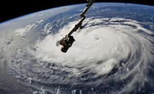 """国际空间站拍到飓风""""佛罗伦萨""""移动画面,直扑美国东海岸"""
