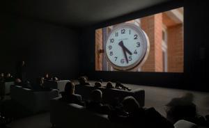 走着瞧 | 如何在泰特现代艺术馆度过一个不眠之夜?