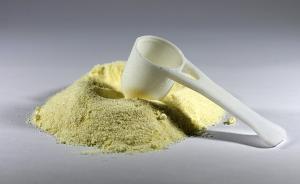 原装进口奶粉中发现有异物,南京市民艰难维权获赔5000元