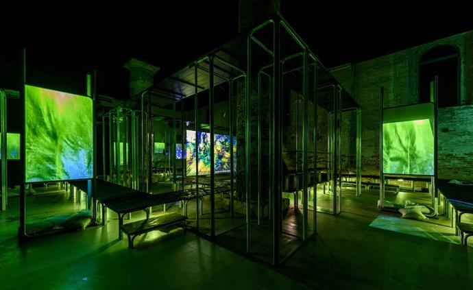 """換個角度看威尼斯雙年展:有意為之的""""大雜燴""""與有趣的時代"""