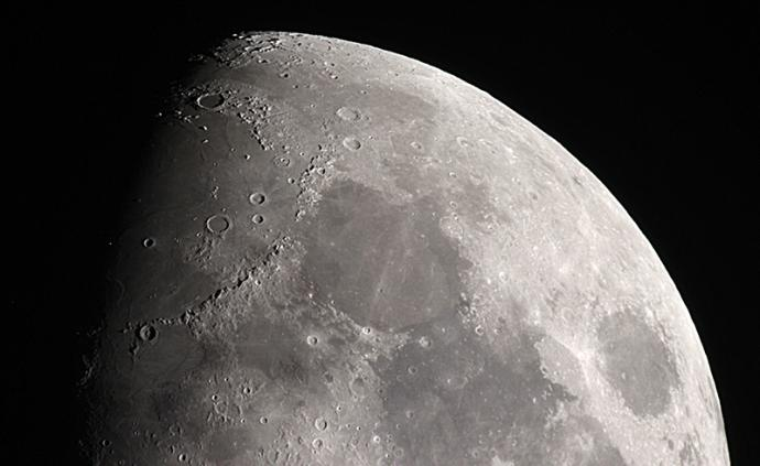 研究顯示早期碰撞使月球正面和背面薄厚不同
