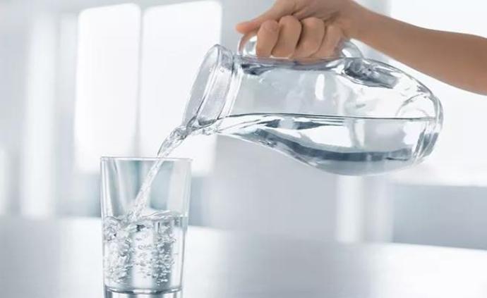 """世衛稱""""人喝太多水可能中毒""""?專家:要避免短時間大量飲水"""