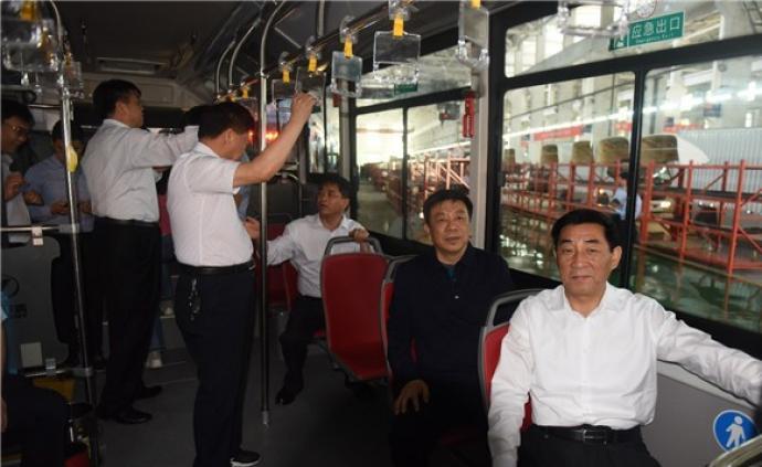 """河南南陽花八千萬元買72輛氫能公交,""""假氫真電""""無加氫站"""