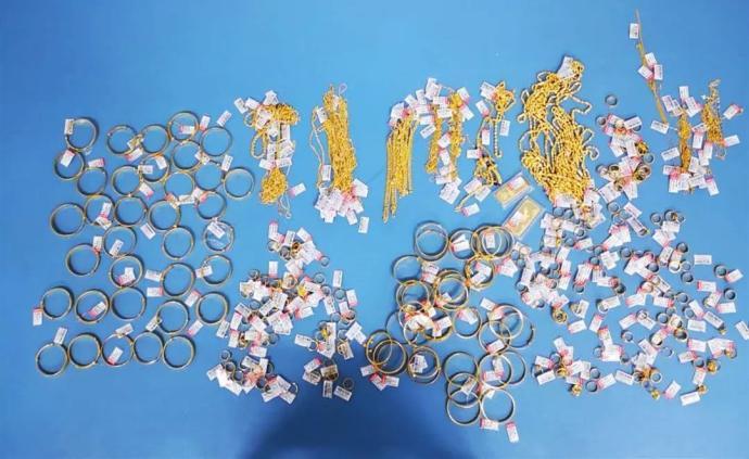 赤峰翁旗一金店价值五百余万黄金首饰被盗,警方9小时破案