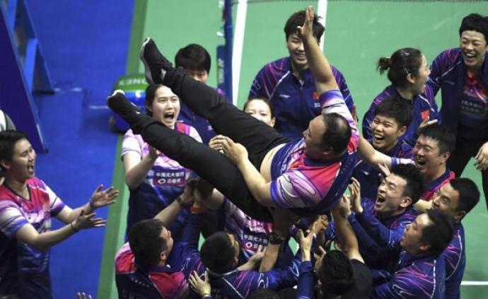 平均年齡22歲,以弱勝強橫掃日本,中國羽毛球解開心結