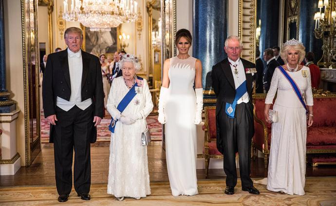 早安·世界|特朗普首次对英国事访问,泰榴莲王拍出33万元