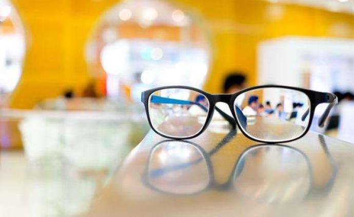 央视曝光药敷调理近视:专利显示药品为口服、理疗师资格靠买