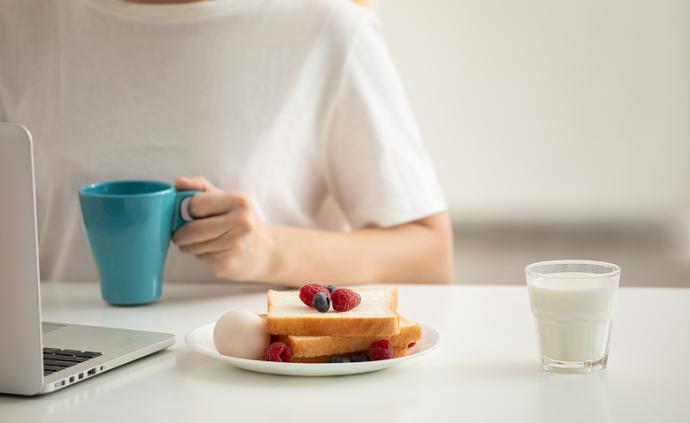 问答丨女子体内取出7000多颗胆结石,都是不吃早饭的错?