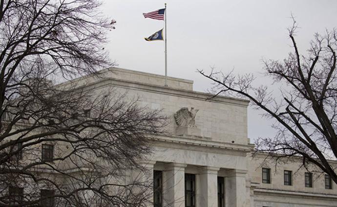 美联储继续按兵不动:删了耐心一词,近半数官员预期年内降息