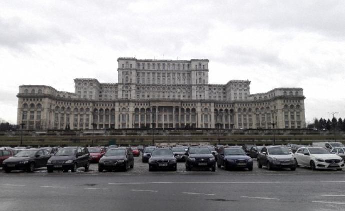 """羅馬尼亞,遇見""""地下跑法拉利""""的硬核宮殿"""