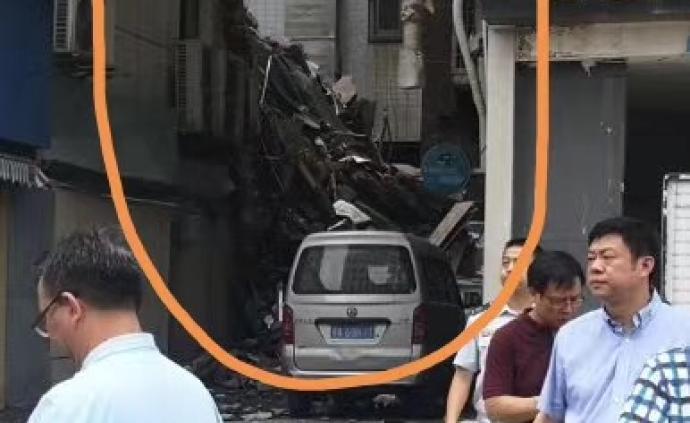 武汉一家7天酒店大楼副楼东南角部分坍塌,暂未发现人员被困