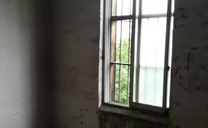 廣西女孩在家被偷拍三年:與惡的距離不足百米,洗澡不敢開燈