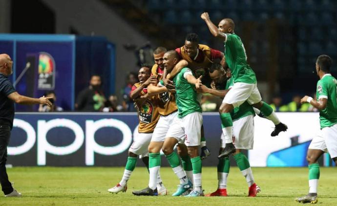 训练场养鸡,全国众筹参赛费用,马达加斯加闯入非洲杯八强