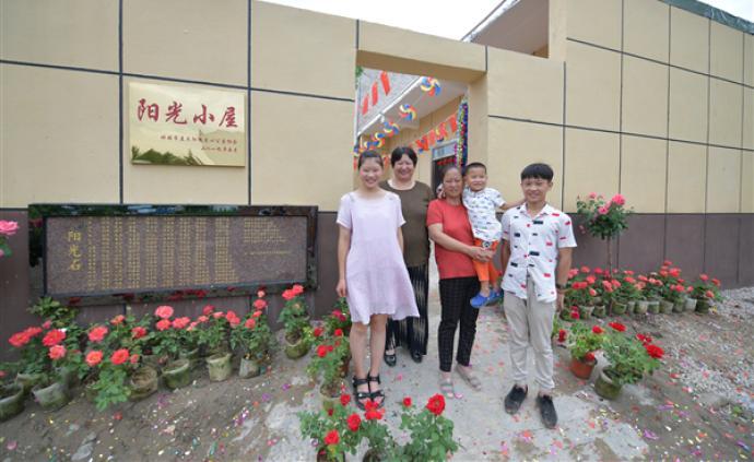 安徽蚌埠:聚集社會力量,困境三姐弟告別危房搬入新家