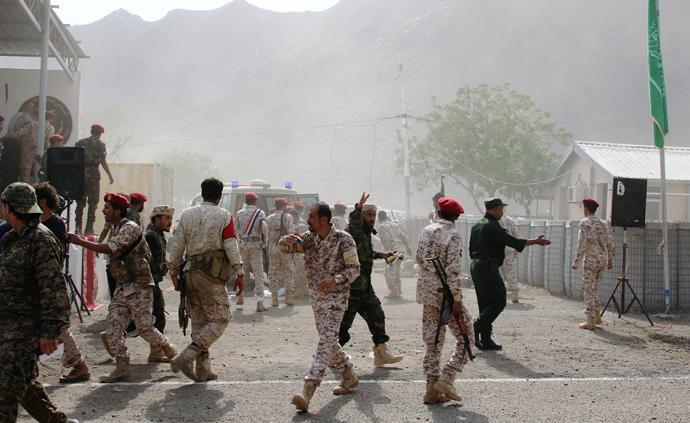 外媒:也門亞丁閱兵活動遭襲擊,至少32人死亡