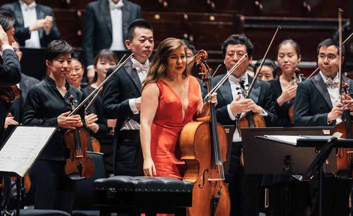 上海交響樂團世界巡演過半,獲得歐美古典樂評人好評