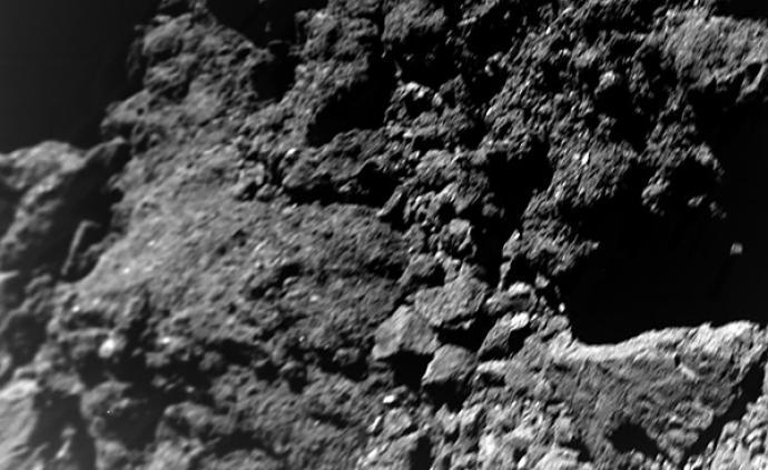 """小行星""""龙宫""""表面""""纤尘不染"""",科学家:原因""""不易解释"""""""