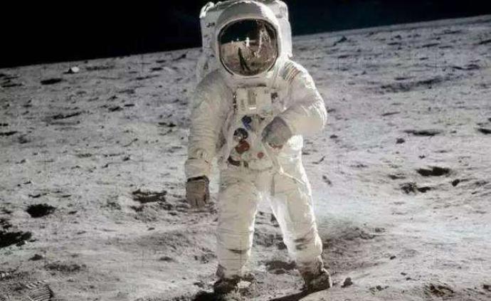 巴茲·奧爾德林:我們登陸月球那一天的真實情況
