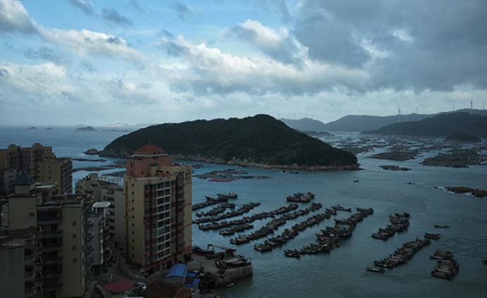 """臺風""""白鹿""""在福建東山沿海登陸,中心附近最大風力10級"""