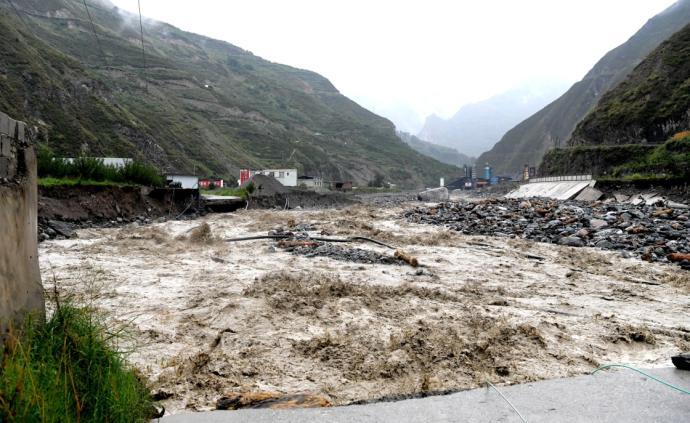 四川阿坝州泥石流灾害已致12人遇难、26人失联