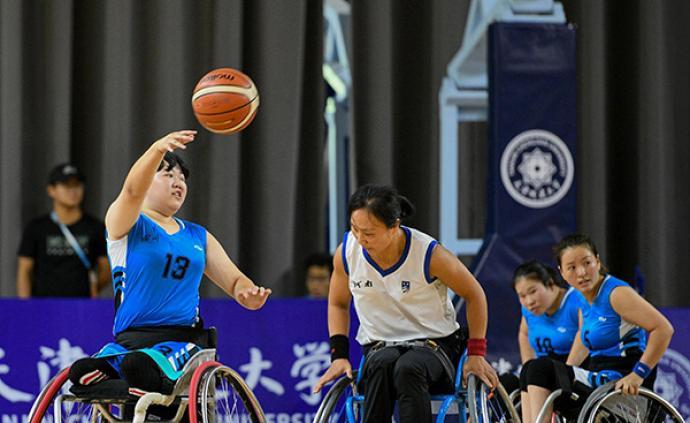 輪椅上的籃球夢:汶川女孩的100小時黑暗與100個月光明