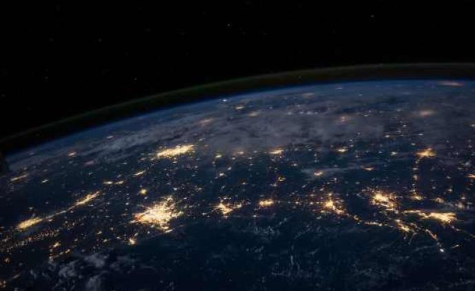 """英国研究人员在""""超级地球""""K2-18 b大气中探测到水汽"""