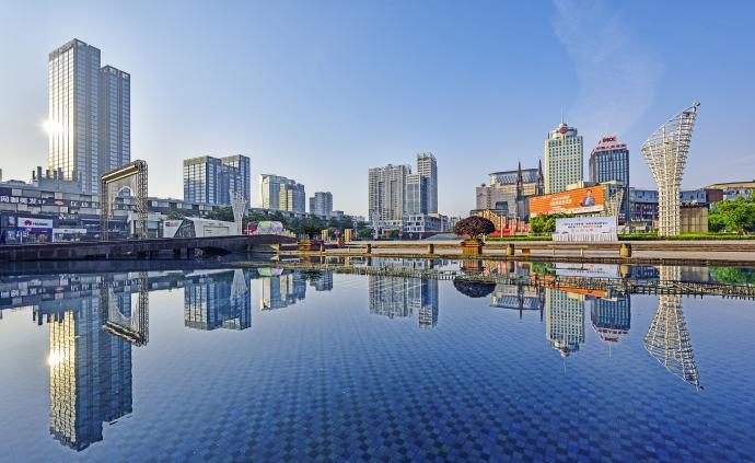 宁波落户新政施行:大幅度放宽人才落户、居住就业落户条件