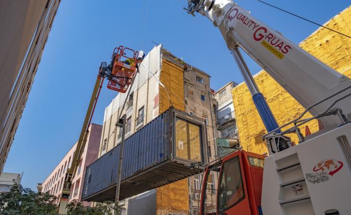全球城市观察︱集装箱改造公寓,巴塞罗那试图回应住房危机