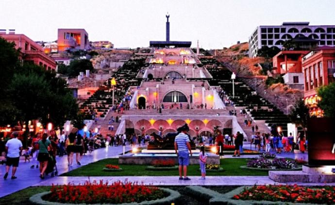 晚风、芭蕾、泼水节 ,一场亚美尼亚风情之旅