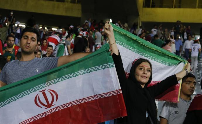 伊朗女球迷自焚引关注,国际足联声明:必须允许女性现场看球