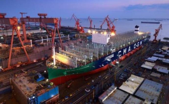 中国造!全球首艘23000箱液化天然气动力集装箱船下水