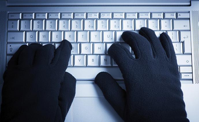 """五嫌犯倒卖个人信息四万条被查:以网贷""""钓鱼"""",获利超百万"""