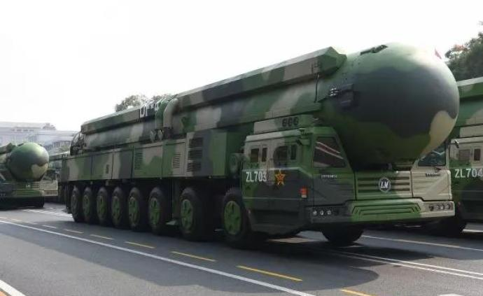 大閱兵展示中國新銳武器,引發外媒高度關注