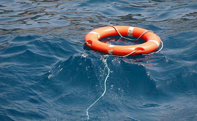 菲律賓一艘載有11名中國游客的船只翻沉,游客均獲救
