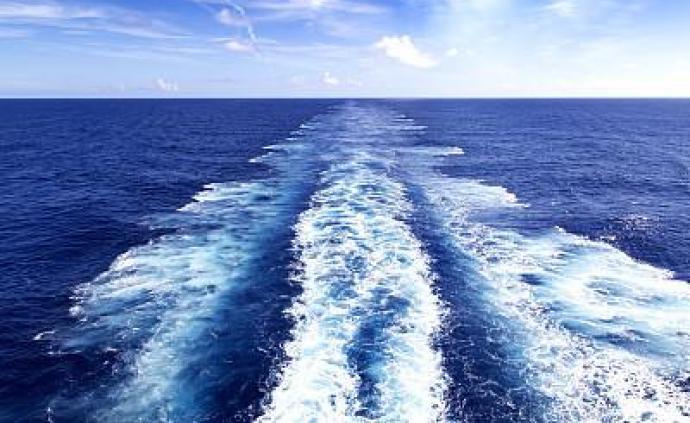 中国海警舰艇编队10月7日在我钓鱼岛领海巡航
