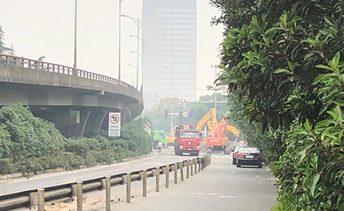 """无锡上跨桥侧翻事故调查:致命货车超载四倍的""""生意"""""""