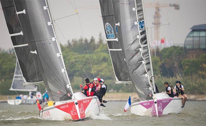 """臨港上演""""速度與激情"""":最高級別女子帆船對抗賽競帆滴水湖"""