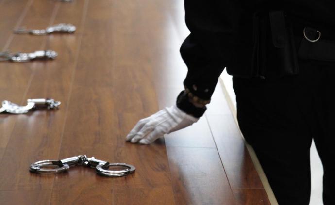 檢察機關依法分別對李東、賴聯春、王祖彬等5人決定逮捕