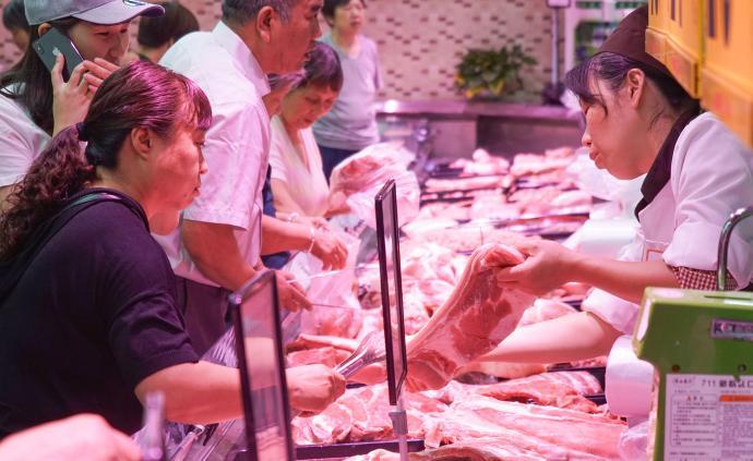 農業農村部:預計元旦、春節前豬肉價格將保持高位運行走勢