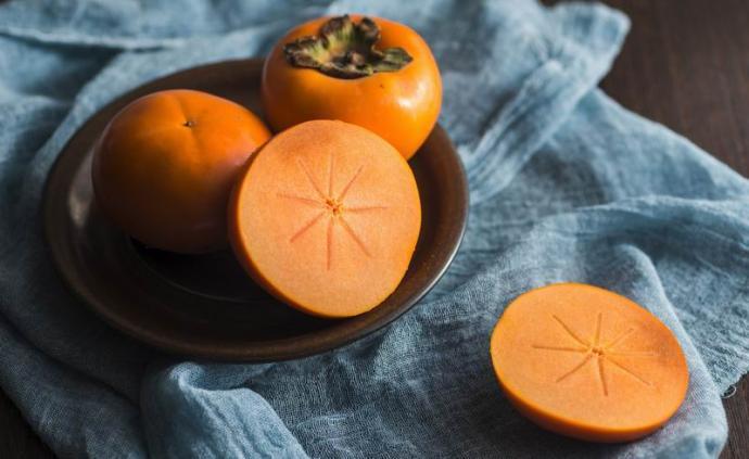 下厨房| 吃起来爽脆的柿子,做菜也好吃