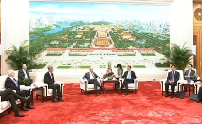 李克强会见美中贸易全国委员会访华代表团并座谈
