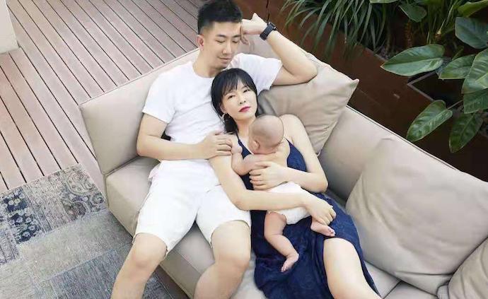 李艾:一面事业一面家庭,自信的姿态是新手妈妈都该有的