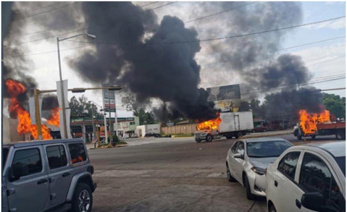 墨西哥警方遭武裝人員圍攻后,被迫釋放被捕的毒梟古茲曼之子