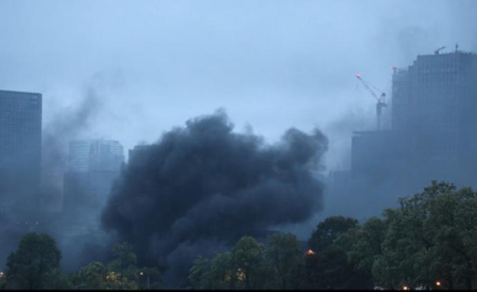 日本皇居附近突发火灾黑烟骤起,警方紧急排查:不是恐袭