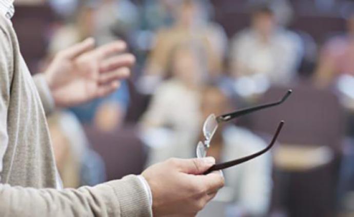 高等教育法实施情况报告:一些教师兼职当主业,授课当副业