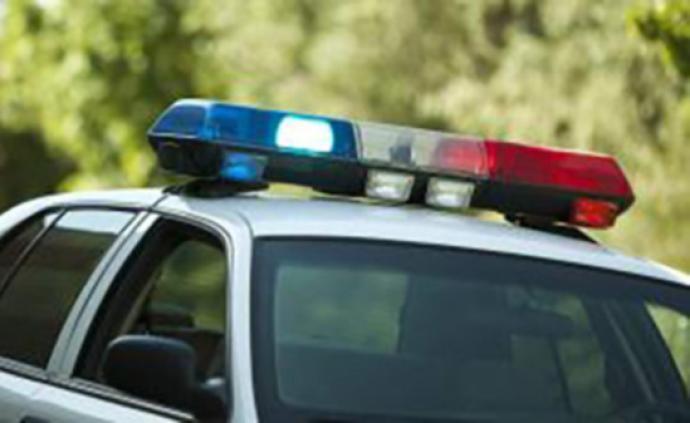 """高州警方通报""""某中学学生打架"""":因口角引发,已传唤打架者"""