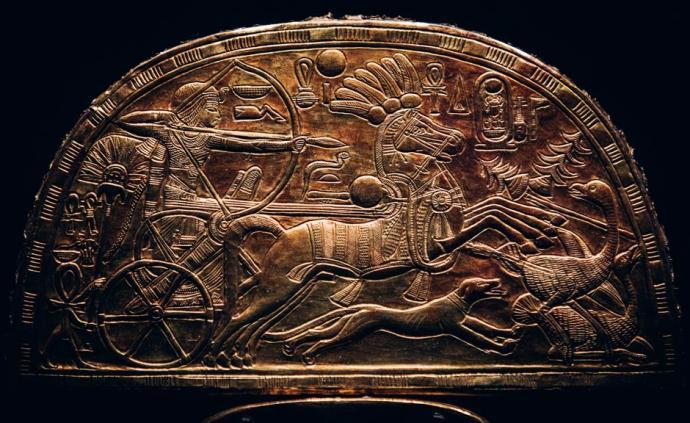 """看三千年前金色法老的宝藏工艺,伦敦展""""图坦卡蒙"""""""