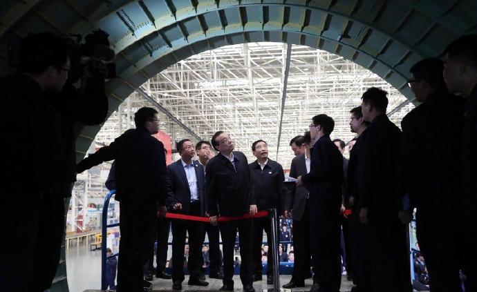 李克強考察南昌航空城,勉勵國產大飛機C919裝配廠員工