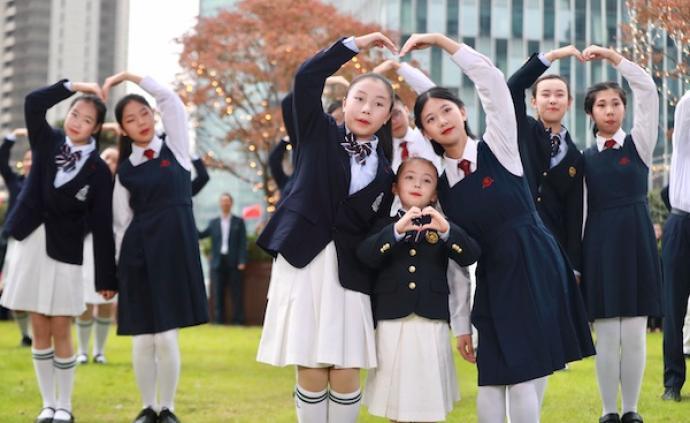 濠江中學與宋慶齡學校師生共拍慶澳門回歸20周年電視片